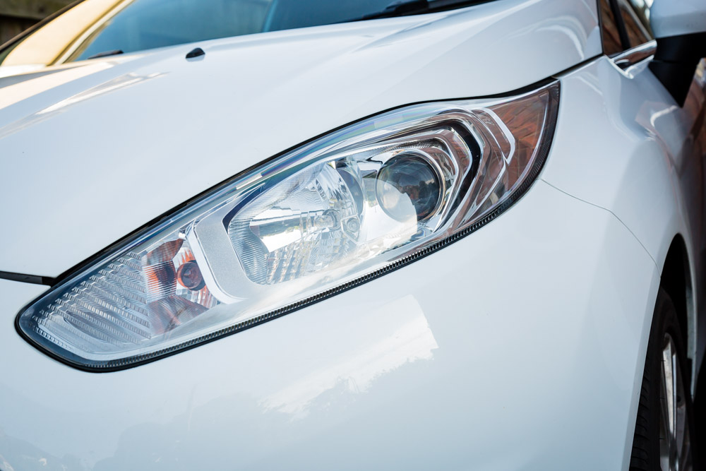 Car headlight and bumper